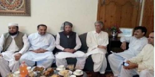 Samiulhaq and Parwez khatak KPK Chifminister meting21