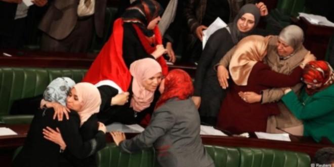 کشورتونس، صاحب قانون اساسی با مشروعیت دینی شد .