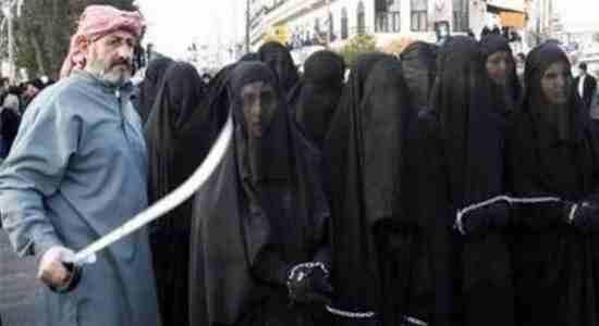 کجا اند مدعیان حقوق بشر و حقوق زن ؟  گروه تروریست های تکفیری- موسوم به داعش، زنان اسیر را می فروشند!