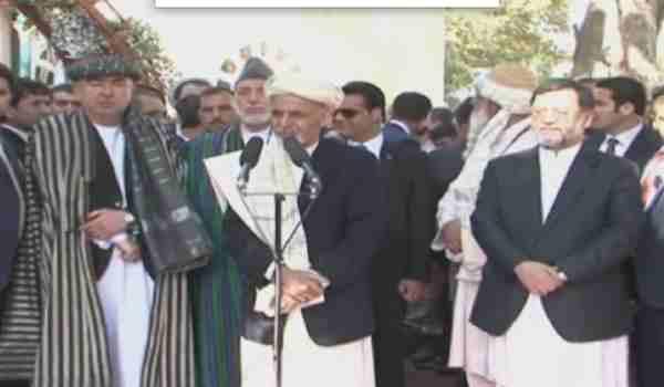 رئیس احمدزی در پیام عید : از رئیس صاحب کرزی تشکرمیکنم و ازمخالفین میخواهم که ازجنگ دست بکشند و به صلح رو آورند!