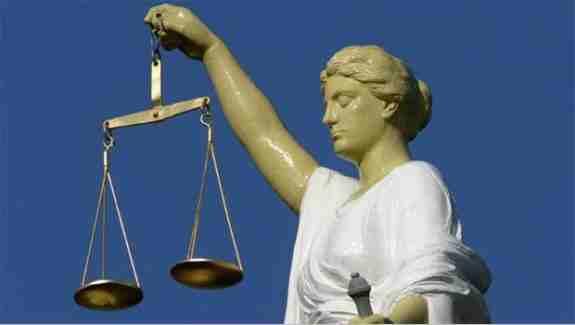 حکم جالب یک دادگاه هالند درباره تادیه معاش ماهوار خانمی که تغییر جنسیت می دهد و خود را تبدیل به مرد می سازد !