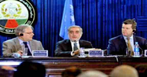 """عبدالله عبدالله : من تنهابا رئیس جمهور غنی در تماس هستم اگر کسی بی اطلاع بوده، من کسی را ملامت نمی کنم."""""""