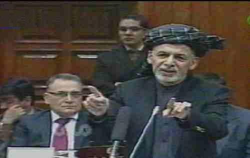 رئیس غنی فهرستی ازیک ویرانه ای موسوم به کابینه وحدت ملی افغانستان را بادادن شعارهای همیشه گی انتخاباتی اش درمحضر وکلای پارلمان افغانستان اعلام کرد.