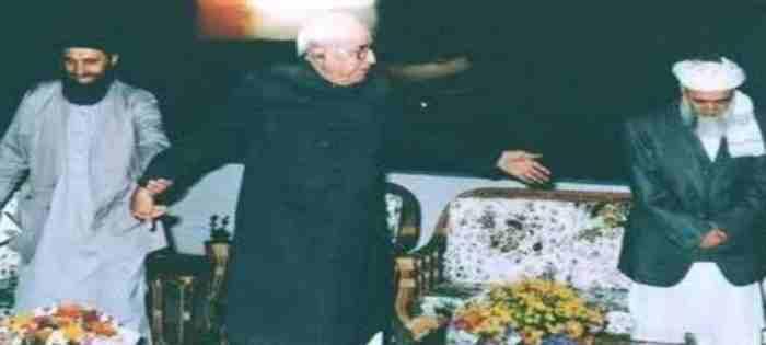 Rabani , hekmatyar and Gholam Eshaq khan.jpg 17