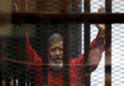 محکمه جنائی مصروصدوراحکام نفرت انگیزعلیه محمد مرسی ویارانش!