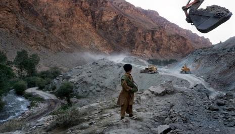 نیروهای آمریکایی در افغانستان ؛    اما بـــرای غارت معادن آن !
